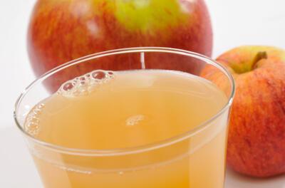 eujuicers_zazracna-cerstva-jablecna-stava